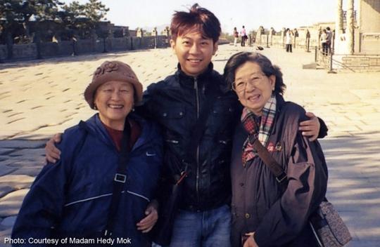 Bà Chung Khin Chun (trái) chỉ định Yang Yin (giữa) làm người giám hộ tài sản và đã mất 10 triệu USD. Ảnh: Asia One