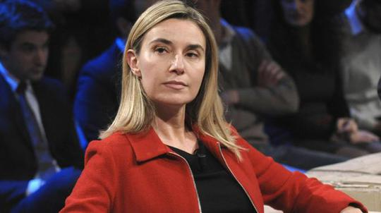 Ngoại trưởng Ý Federica Mogherini thông báo tạm hoãn trừng phạt Nga. Ảnh: EU News