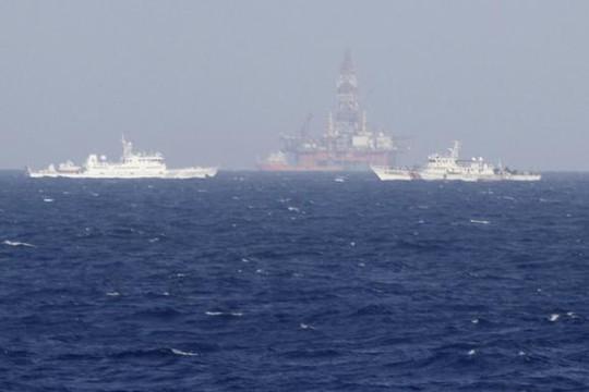 Trung Quốc đặt giàn khoan trái phép gây căng thẳng khu vực. Ảnh: Reuters
