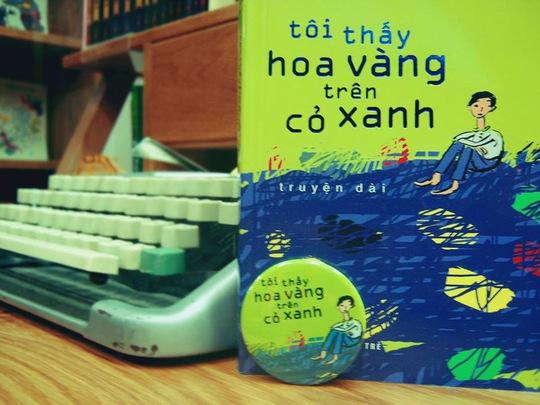 Phim Hoa vàng trên cỏ xanh (ĐD Victor Vũ) được chuyển thể từ truyện dài Tôi thấy hoa vàng trên cỏ xanh của nhà văn Nguyễn Nhật Ánh