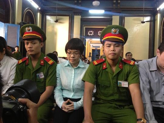 Huyền Như tại phiên tòa sáng 27-1