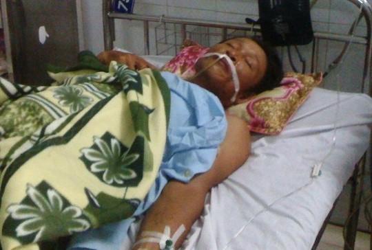 Ông Lê Viết Trình đang được điều trị tại Bệnh viện Đa khoa tỉnh Thanh Hóa