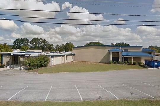 Trường trung học Sparkman, nơi xảy ra vụ thiết lập bẫy kỳ khôi. Ảnh: Mirror