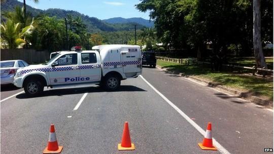 Police cordon in Cairns, Australia (19 Dec 2014)