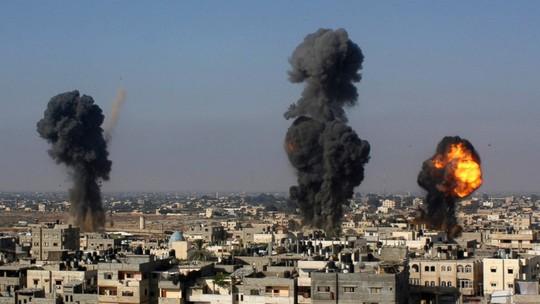 Giao tranh vẫn nổ ra giữa Phong trào Hamas của Palestine và Israel trước khi đề xuất ngừng bắn của Ai Cập có hiệu lực. Ảnh: AP