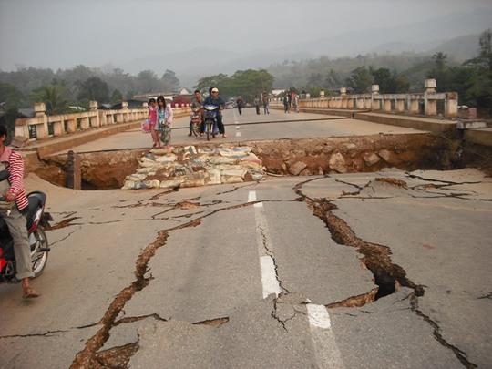 Trận động đất làm rung chuyển Thái Lan hồi tháng 3-2011. Ảnh:VOA Burmese