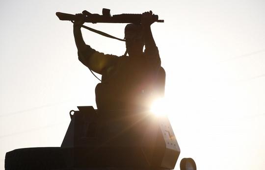 Lực lượng người Kurd và IS đang giằng co quyết liệt ở thị trấn Kobane. Ảnh: AP
