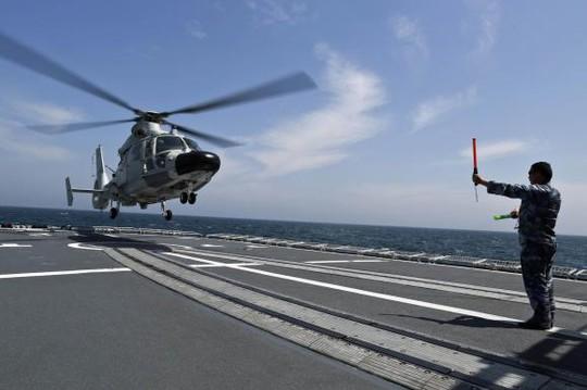 Một cuộc tập trận của Trung Quốc trên biển Hoa Đông tháng 5-2014. Ảnh: Reuters