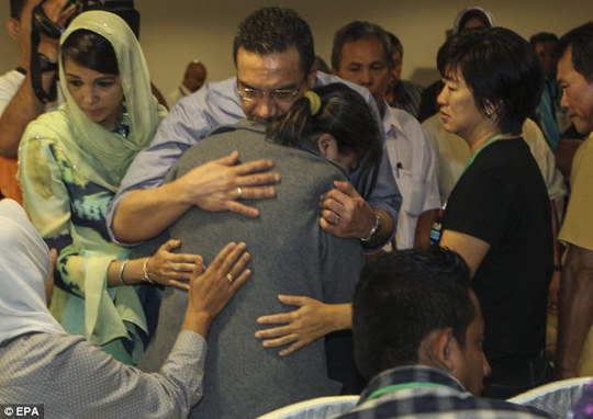 Defence Minister Hishamuddin Hussin spent time today visiting family members of those missing on board flight MH370
