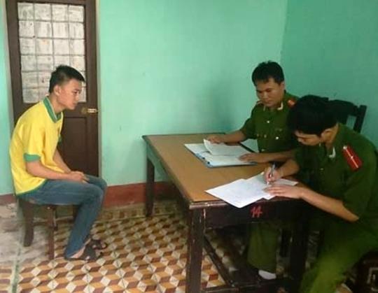 Cơ quan CSĐT Công an tỉnh Thanh Hóa tống đạt quyết định khởi tố vụ án, khởi tố bị can, bắt tạm giam 2 tháng đối với Trần Quang Độ