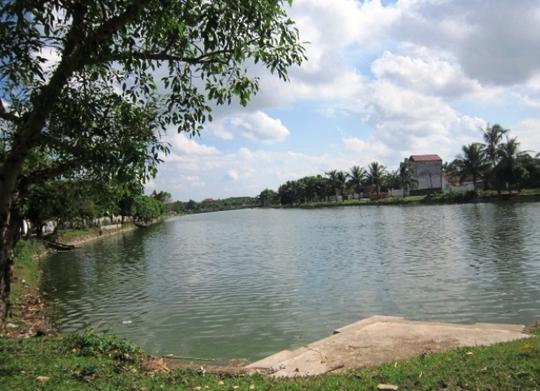 Ao lớn ở thị trấn Vạn Hà, huyện Thiệu Hóa - Thanh Hóa, nơi xảy ra vụ đuối nước thương tâm
