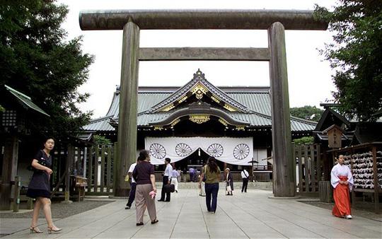 Ngôi đền Yasukuni - nơi Thủ tướng Nhật Bản Shinzo Abe từng đến thăm và khiến Trung Quốc nổi giận vì đây là nơi thờ phụng những người gây tội ác chiến tranh. Ảnh: Reuters