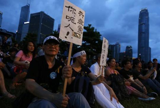 Cuộc biểu tình diễn ra ôn hòa, chưa có đụng độ xảy ra. Ảnh: Reuters