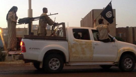 Các chiến binh IS xuất hiện ở Libya. Ảnh: AP