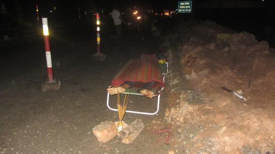 Một người chết tại chỗ sau cú tông mạnh của 2 xe tải