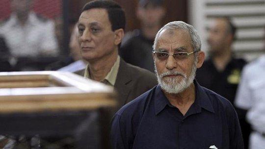 Ông Mohamed Badie cũng đang đối mặt 2 án tử hình trong hai phiên tòa khác. Ảnh: Reuters