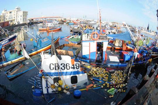 Cảnh hoang tàn sau cơn động đất ở Chile hôm 1-4. Ảnh: Reuters