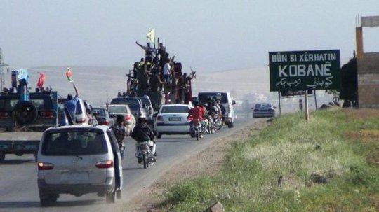 IS và lực lượng người Kurd vẫn giằng co xung quanh thị trấn chiến lược Kobane. Ảnh: ARA News