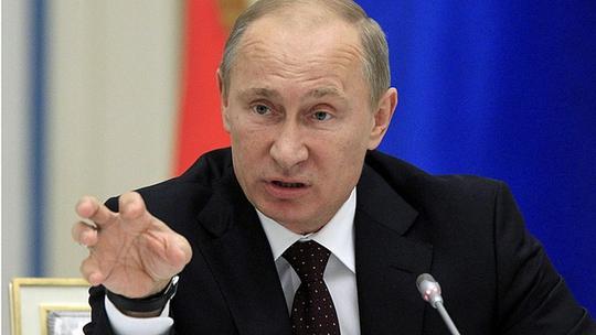 Tổng thống Nga Vladimir Putin ngày 22-9 đã thảo luận cùng Hội đồng An ninh Quốc gia (SC) về khả năng hợp tác chống lại tổ chức Nhà nước Hồi giáo (IS) tự xưng. Ảnh: AP