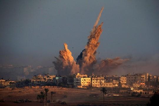 Các cuộc không kích của IDF vào Dải Gaza vẫn tiếp diễn. Ảnh: Reuters