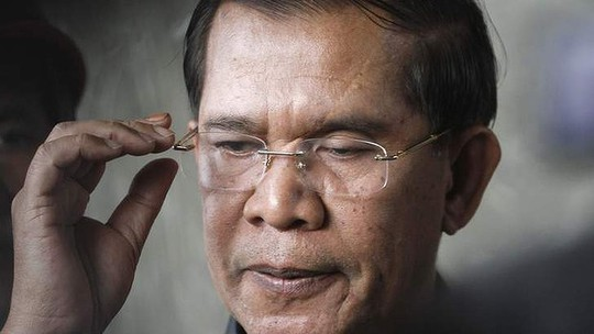 Cambodias Prime Minister Hun Sen has vowed to continue to rule even if opposition MPs dispute his election victory.