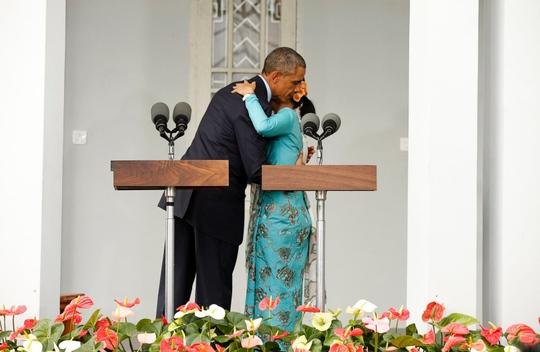 Barack Obama e Aung San Suu Kyi (Reuters)