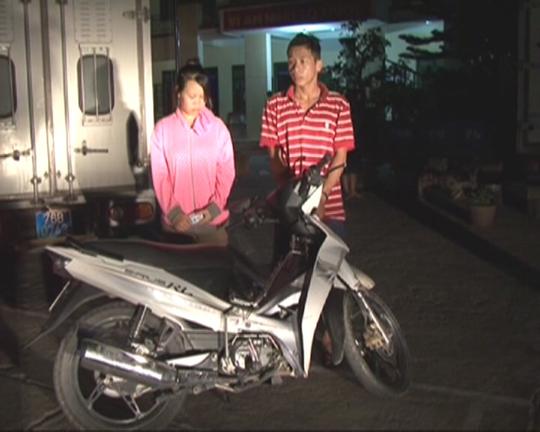 Cặp tình nhân cướp tài sản Long - Hạnh tại Công an TP.Quảng Ngãi.