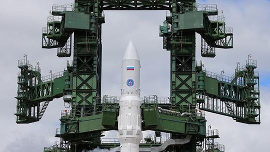 Angara-1.2PP space rocket getting refueled at Russia's Plesetsk Cosmodrome (RIA Novosti / Vitaly Belousov)