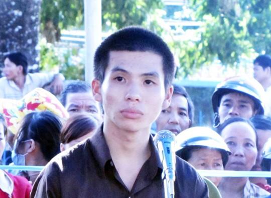 Hoàng Văn Ban tại phiên tòa sáng 27-5