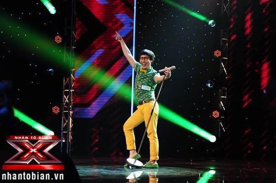 Đinh Huy từng thi Giọng hát Việt và được chọn vào đội Đàm Vĩnh Hưng