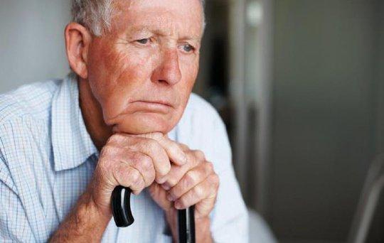 Ngửi mùi kém là dấu hiệu của bệnh Alzheimer