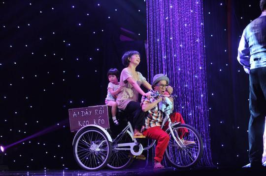 Thúy Nga và Minh Nhí diễn chung trên sân khấu