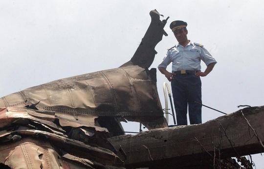 Từ đầu năm đến nay, máy bay liên tục rơi tại nhiều nước trên thế giới, gây xôn xao dư luận. Ảnh: EPA