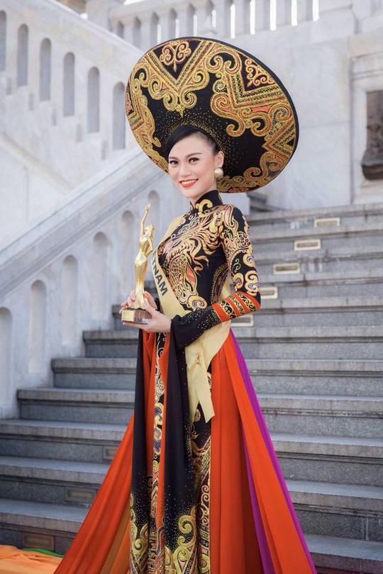 """Cao Thùy Linh tiếp tục nhận phạt vì thi nhan sắc """"chui"""""""