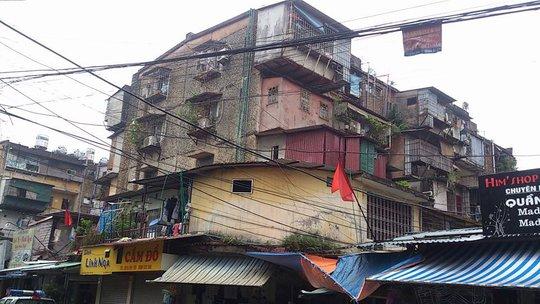 Nhà E7, khu tập thể Thanh Xuân Bắc (quận Thanh Xuân, Hà Nội), nơi xảy ra vụ việc