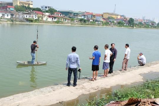 Khu vực nạn nhân lao xuống hồ