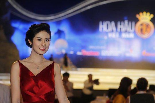 Hoa hậu Việt Nam 2010 Đặng Thị Ngọc Hân có mặt tại đêm chung kết