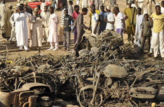 Hiện trường vụ đánh bom hôm 28-11. Ảnh: Reuters
