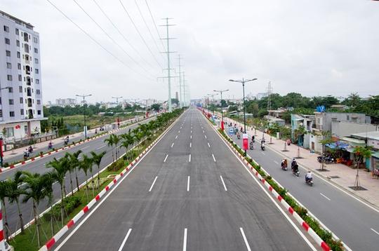 Tháng 9-2013, đường nối Tân Sơn Nhất - Bình Lợi - Vành đai ngoài (đường Phạm Văn Đồng) được thông xe giai đoạn 1, đoạn từ nút giao Bình Triệu (quận Thủ Đức) đến nút giao Nguyễn Thái Sơn (quận Gò Vấp) dài 5 km. Đây là trục đường hướng tâm giữ vai trò quan trọng đối với giao thông TP. Việc hoàn thành tuyến đường không những kéo giảm ùn tắc giao thông hướng Tây Bắc mà còn phát triển kinh tế - xã hội cho khu vực. Dự kiến, đến cuối năm 2014 toàn bộ tuyến đường sẽ được hoàn thành.