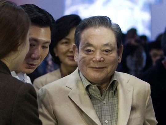 Ông Lee Kun Hee thừa kế Samsung từ cha năm 27 tuổi, đã biến hãng trở thành một trong những tập đoàn công nghệ hùng mạnh nhất thế giới sau 45 năm. Ảnh: Reuters/Malaymail