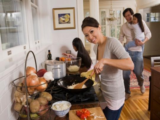 Thói quen ăn uống, việc lựa chọn thực phẩm và lối sống ít vận động là những nguyên nhân phát sinh bệnh tật
