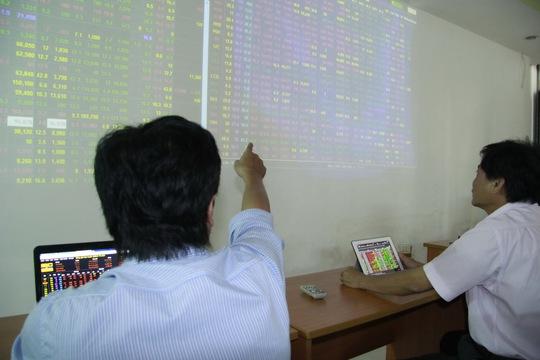 Khi có thị trường chứng khoán phái sinh, thị trường chứng khoán Việt Nam sẽ sôi động hơn Ảnh: HOÀNG TRIỀU