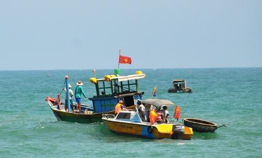 Lực lượng chức năng vẫn đang nỗ lực tìm kiếm thi thể anh Đặng Lê Hoàng