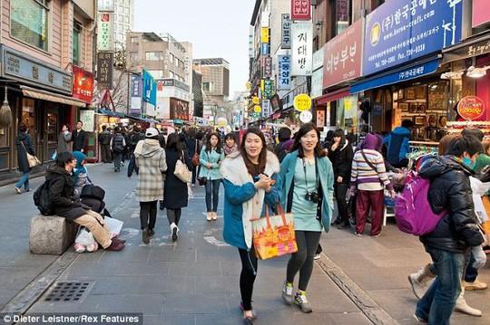 Đường phố nhộn nhịp tại Hàn Quốc. Ảnh: Dieter Leistner