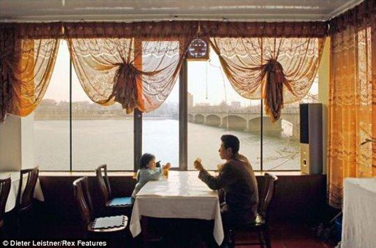 Nhà hàng đơn sơ ở Triều Tiên. Ảnh: Dieter Leistner
