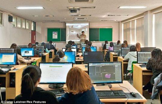 Lớp học hiện đại tại Hàn Quốc. Ảnh: Dieter Leistner