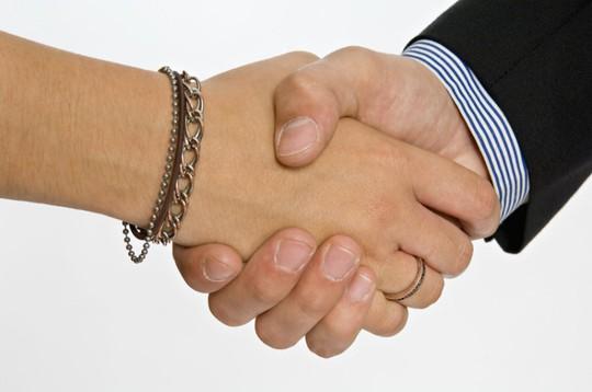 Các nhà nghiên cứu nhận biết tình trạng sức khỏe qua cái bắt tay