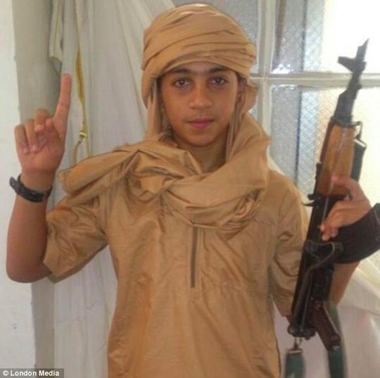 13 tuổi, Younes Abaaoud được cho là một trong những chiến binh IS nhỏ tuổi nhất