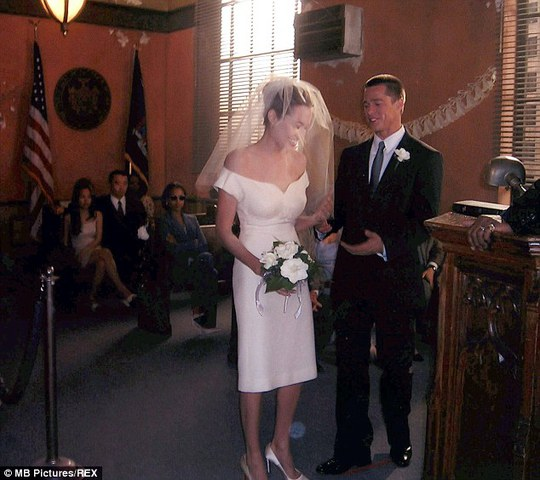 Brad Pitt và Angelina từng cưới nhau trong phim Mr & Mrs.Smith