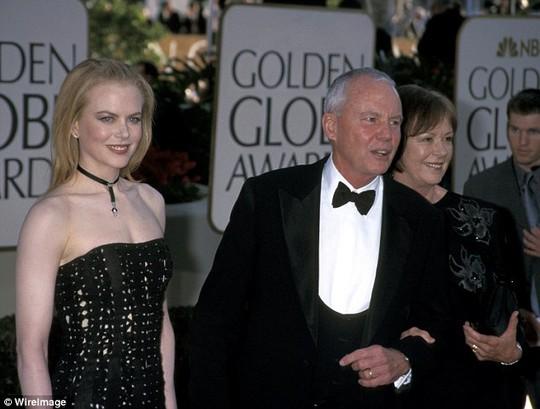 Nicole Kidman và cha